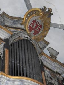 Wappen am Orgelprospekt