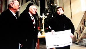 Heiligabend 2014 - der Havelberger Rotary Club übergibt Spendenscheck.